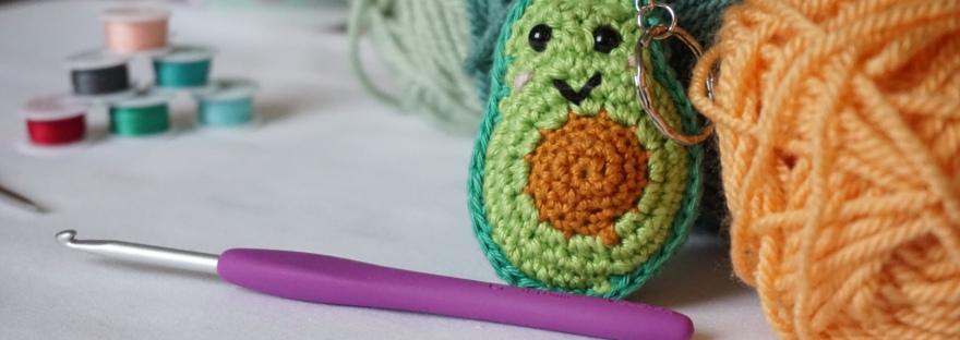 Crochet Avocado Friend Anigurumi Free Pattern | Háčkované hračky ... | 312x880